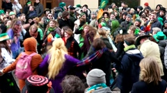 An energetic Irish dance, the Feast of St. Patrick on the  Arbat street. Stock Footage