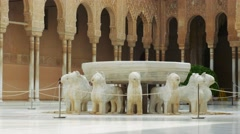 Fountain of the lion in Alhambra Palace Stock Footage