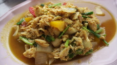Thai Chinese style seafood. Steamed blue crab and crab meat in curry power Stock Footage