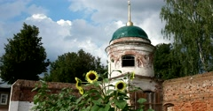 The remains of Sretenskaya refectory Church. Monastery of the deposition, Suzdal Stock Footage
