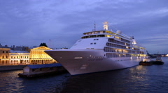 Cruise liner Silver whisper moored in Saint-Petersburg Arkistovideo
