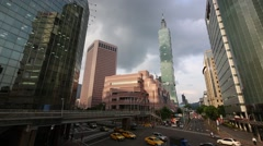Taipei 101 Tower with the traffic on the road, Taiwan Beautiful Cityscape-Dan Stock Footage