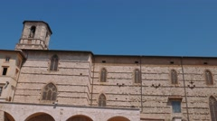 Tilt shot of Perugia Cathedral and Fontana Maggiore fountain, Italy Stock Footage