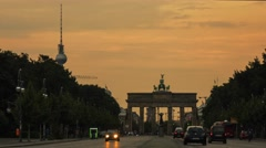 Time lapse of Brandenburg Gate and TV Tower at sunset in Berlin. Stock Footage