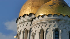 Golden dome Russian church zoom out Stock Footage