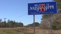 A sign welcomes travelers to Mississippi. Stock Footage