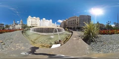 360 view from a fountain at Plaça de l'Ajuntament Stock Footage