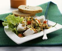 Lentil salad with fresh goat's cheese Kuvituskuvat