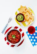 Chilli con carne and guacamole (Mexico) Stock Photos