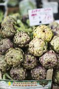 Artichokes at a market Stock Photos