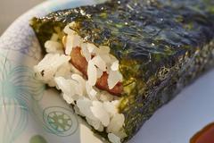 Spam Musubi (Hawaiian snack) at a market Stock Photos