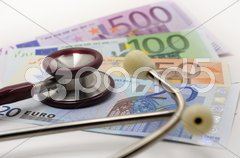 Stethoskop Geld Euroschein Stock Photos