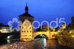 Bamberg Altstadt Wahrzeichen altes Rathaus Nacht Stock Photos