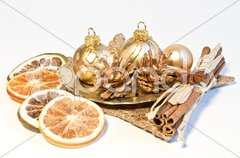 Dekoration mit Orangenscheiben Stock Photos