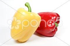 Gelbe und rote Paprika Stock Photos