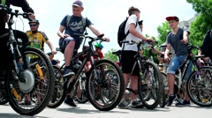 Teens, teenagers on bicycles involved in bike ride, healthy lifestyle, cool Stock Footage