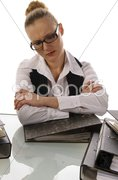 Junge Sekretärin, Geschäftsfrau Frust mit Akten Stock Photos