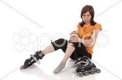 Frau fährt Inline-Skates Stock Photos