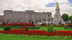 BUCKINGHAM PALACE VICTORIA MEMORIAL LONDON ENGLAND Stock Footage