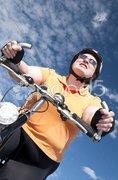 XXL-Model, übergewichtige Frau Fahrrad fahren Stock Photos
