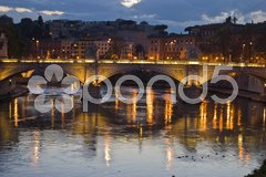 Tiber and Ponte Vittorio Emanuele II at dawn Stock Photos