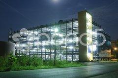 Parkhaus bei Nacht Stock Photos