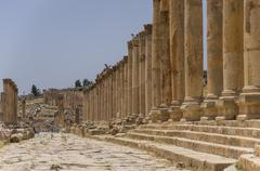 Columns of the cardo maximus, Ancient Roman city of Gerasa of Antiquity , mod Stock Photos