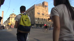 Via Rizzoli and Piazza Re Enzo, real time, Bologna Stock Footage