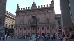 Square Piazza di Porta Ravegnana in Bologna and the Two Tower Stock Footage