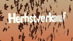 """Herbstlaub mit Werbetext """"Herbstverkauf"""" Stock Footage"""