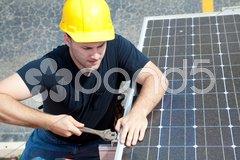 Working on Solar Panel Kuvituskuvat