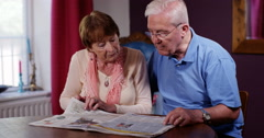 4k Senior retired couple struggling with their finances. Stock Footage
