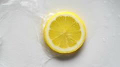 Lemon Slice in water Stock Footage