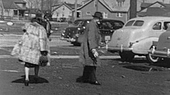 USA 1938: people walking in the street Stock Footage