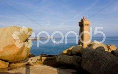 Pors Kamor lighthouse, Ploumanac''h, Brittany, France Stock Photos