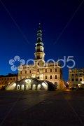 Town Hall at night, Main Square (Rynek Wielki), Zamosc, Poland Stock Photos
