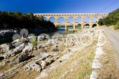 Roman aqueduct, Pont du Gard, Languedoc-Roussillon, France Stock Photos