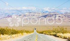 Road, Death Valley National Park, California, USA Stock Photos