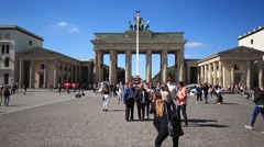 Tourists making picture at Brandenburger Tor , Berlin Stock Footage
