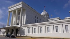The Alabama State capital building in Montgomery, Alabama. Stock Footage