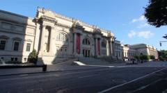 Morning At The Metropolitan Museum of Art Stock Footage