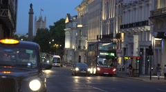 4K Parliament House and traffic car on busy street downtown London twilight icon Stock Footage