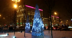 The residents of Moscow hurry to the Christmas,  night, winter, city, heavy snow Stock Footage