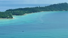 Wide view of a sunny day in paradise Island koh Lipe, Thailand Stock Footage