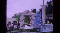 1963: street circuit entertainment show for the people excitement and fun Stock Footage
