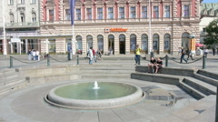 The fountain in Josip Jelačić Square in Zagreb. Stock Footage