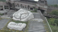 Clock depicting the time a disastrous earthquake struck Wenchuan in 2008 Arkistovideo