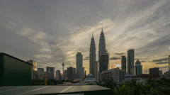 Time lapse of sunset day to night sky over Petronas Twin Towers, Suria KLCC. Stock Footage