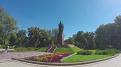 The monument of Taras Shevchenko in Kiev Stock Footage