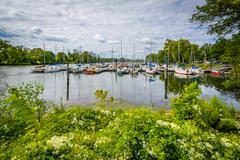 Boats at the Washington Sailing Marina, along the George Washington Memorial  Stock Photos